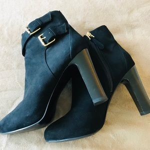 Guess Black Ankle Boots Size 7.5